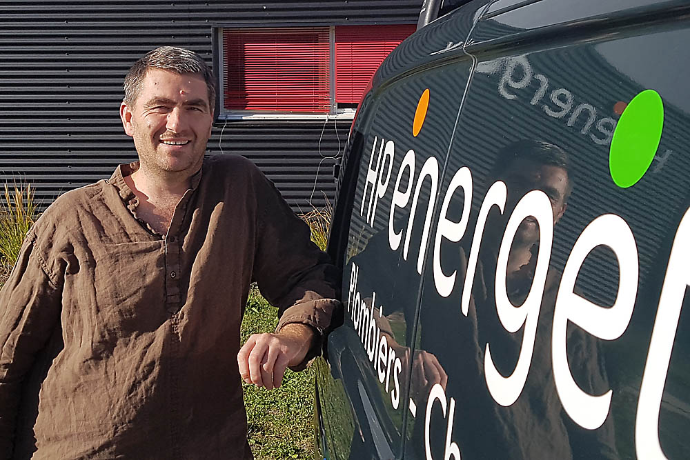 HP Energetik : equipe-Simon - plombier-chauffagiste