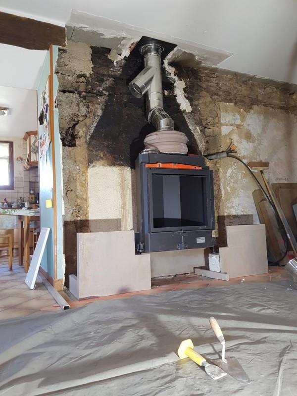 Chauffage au bois et construction d 39 un po le ma onn par hp energetik - Recuperateur air chaud poele a bois ...